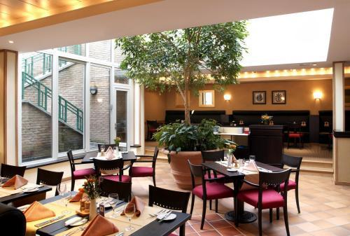 фото Four Points by Sheraton Brussels изображение №18