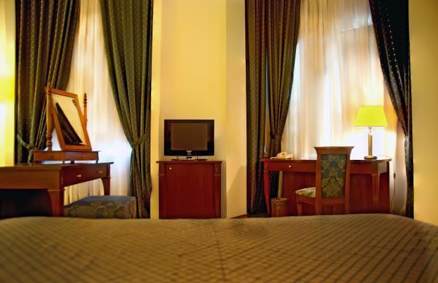 фото отеля The Bristol Hotel изображение №17
