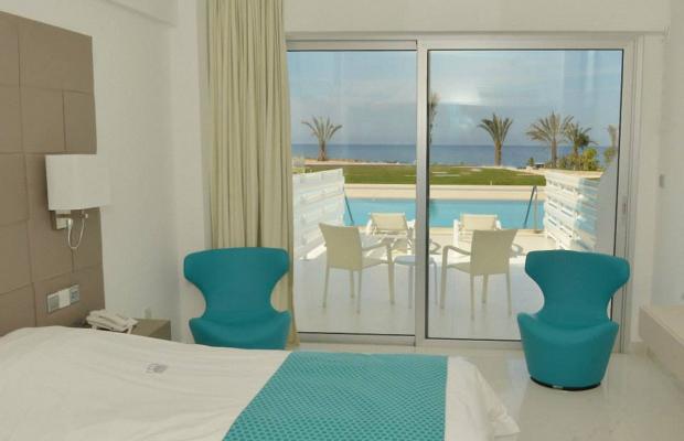 фото King Evelthon Beach Hotel & Resort изображение №150