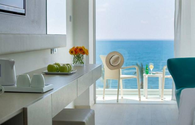 фото отеля King Evelthon Beach Hotel & Resort изображение №41