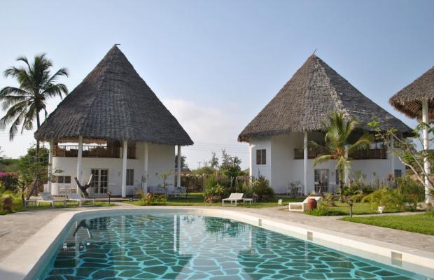 фото отеля Kola Beach Resort изображение №5