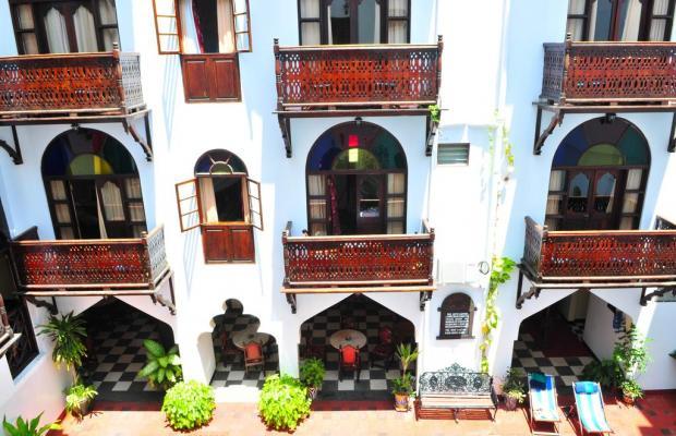 фото Dhow Palace Hotel  изображение №10