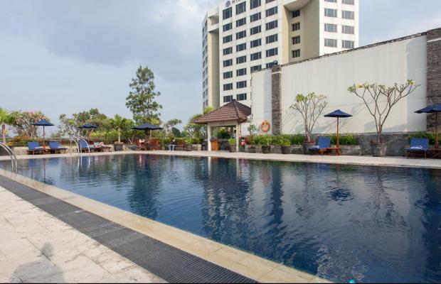 фото отеля Aryaduta Bandung (ex. Hyatt Regency Bandung) изображение №1