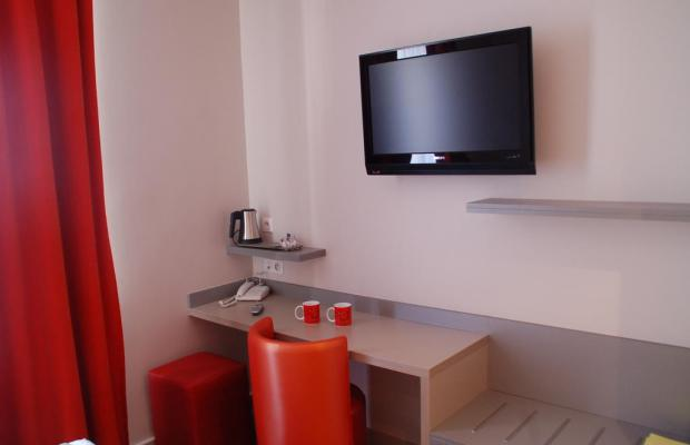 фото отеля De La Fontaine изображение №13