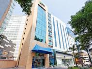Holiday Inn Express Hotel & Suites at the WTC, 2*