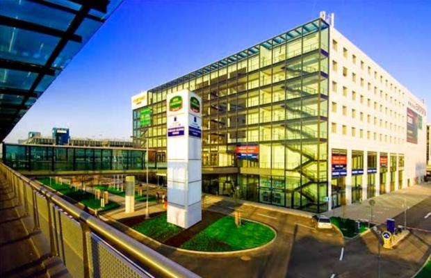 фото отеля Courtyard by Marriott Prague Airport изображение №1