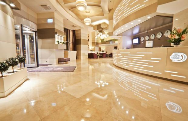 фото DoubleTree by Hilton Bucharest - Unirii Square изображение №34