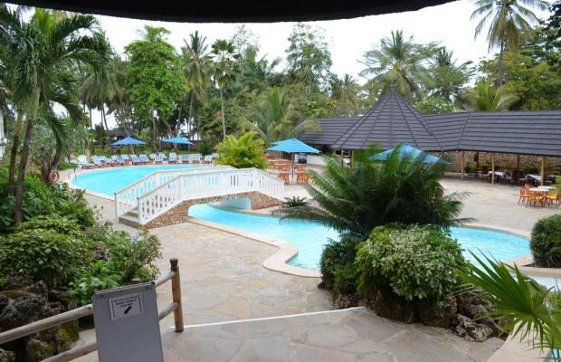 фотографии отеля Travellers Beach Hotel & Club изображение №11