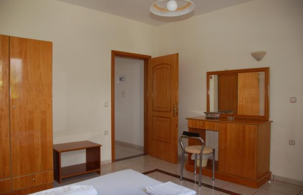 фотографии Livadia Beach Apartments & Studios изображение №16