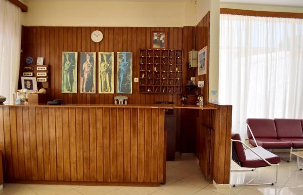 фотографии отеля Hotel Karyatides изображение №7