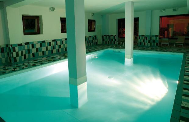 фотографии International Hotel изображение №16