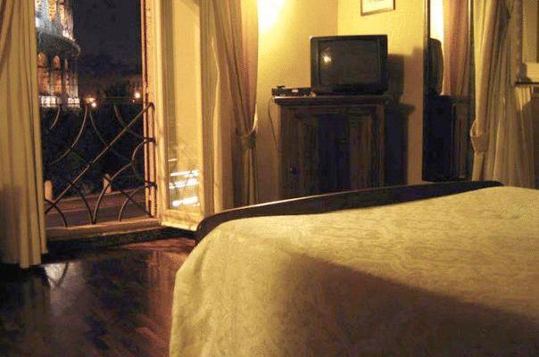 фотографии отеля ROYAL ART CAFE изображение №11