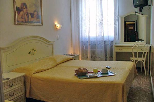 фото Hotel Airone изображение №14