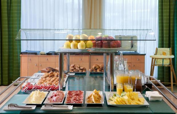 фото Hotel City Express Santander Parayas (ex. NH Santander Parayas) изображение №18