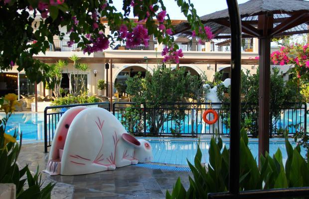 фото отеля Peridis Family Resort изображение №13
