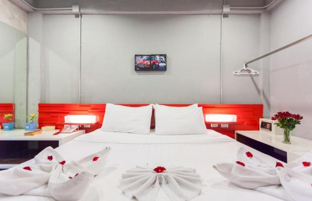 фото отеля The Oddy Hip Hotel изображение №5
