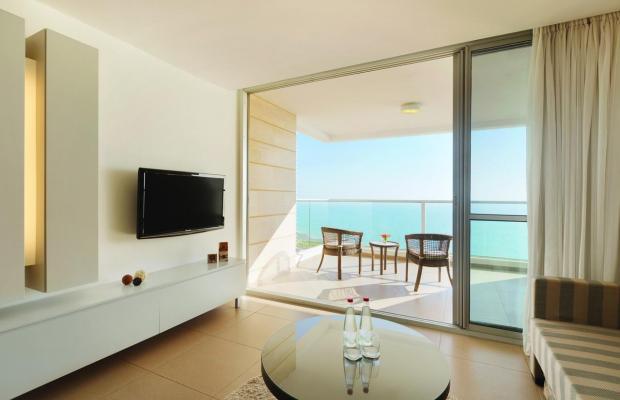 фото Ramada Hotel & Suites изображение №10