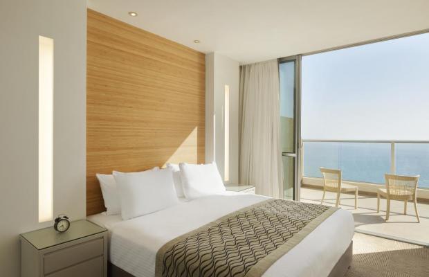 фото Ramada Hotel & Suites изображение №2
