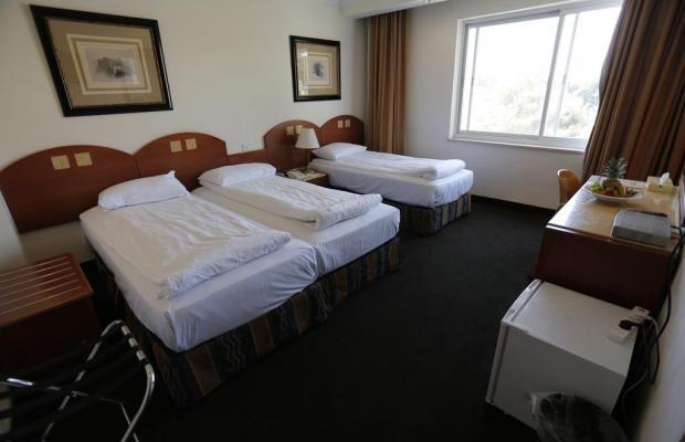 фотографии отеля Ambassador Hotel изображение №27