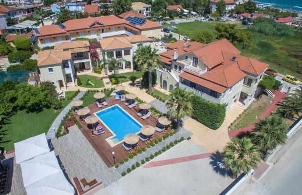 фото отеля Christy's Beach Villas изображение №1