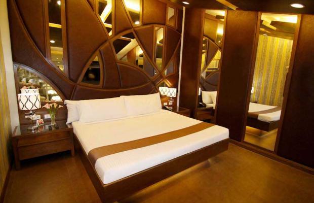 фото отеля Victoria Court Cuneta изображение №9
