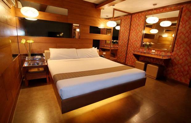 фотографии отеля Victoria Court Cuneta изображение №3