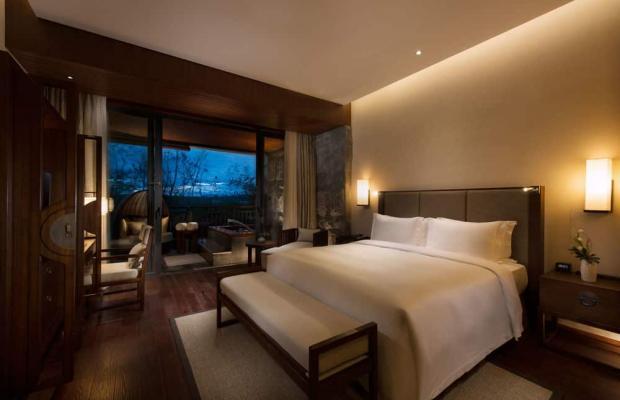 фото DoubleTree Resort by Hilton Hotel Hainan - Qixianling Hot Spring изображение №26