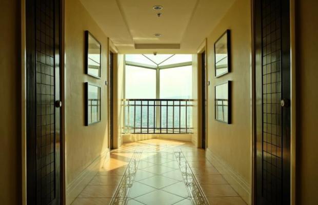 фото отеля Crown Regency Hotels & Towers изображение №13