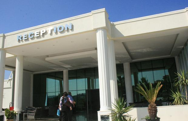 фотографии отеля Holiday Leisure Club изображение №11
